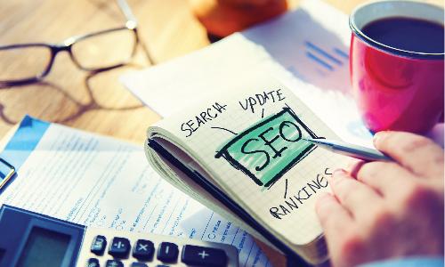"""Giá trị mà dịch vụ viết bài Website mang lại cho doanh nghiệp: ** Tiết kiệm nhân lực và công sức đào tạo nhân viên mới:  Việc đào tạo nhân viên mới tốn khá nhiều thời gian và công sức của doanh nghiệp. Cho dù đó là những cá nhân dày dặn kinh nghiệm đến đâu, thì cũng cần một khoảng thời gian nhất định để làm quen với đặc thù lĩnh vực kinh doanh mới. Hơn nữa, nếu quy mô doanh nghiệp nhỏ, cần đẩy mạnh bài viết trong ngắn hạn thì việc có thêm một nhân sự chính thức là điều lãng phí và không cần thiết.  ** Đẩy nhanh tiến độ hoàn thiện Website:  Đối với những Website mới tinh, hoặc các Website lâu năm đang trong quá trình """"thay máu"""" hoàn toàn, việc phải nhanh chóng đẩy hàng trăm bài viết lên Website sẽ là gánh nặng rất lớn đối với những công ty không có đội ngũ nhân viên viết bài hùng hậu. Tìm đến vớidịch vụ viết bài cho Website, bạn được cam kết hoàn thành số lượng bài viết theo yêu cầu trong một khoảng thời gian nhất định, cam kết đúng tiến độ đề ra.  ** Đảm bảo kỹ thuật SEO, tối ưu bài viết trên thanh công cụ tìm kiếm của Google:  Dịch vụ viết bài cho Websiteđược thực hiện bởi các Agency truyền thông chuyên nghiệp. Họ sở hữu đội ngũ chuyên viên content dày dặn kinh nghiệm, am hiểu đa dạng các ngành hàng và đặc biệt có kiến thức chuyên sâu về SEO – Marketing. Vì vậỵ dịch vụ viết nội dung cho websitecó độ uy tín cao hơn rất nhiều so với việc thuê các Content Freelancer (CTV viết bài tự do tại nhà).     ** Dịch vụ viết bài cho Website thuần thạo kỹ năng phân tích đối thủ:  Có một sự thật đáng buồn trong cácdịch vụ viết bài cho websitethiếu chuyên nghiệp hiện nay đó là: Người viết tìm đến các Website đối thủ để copy nội dung chứ không phải để phân tích điểm mạnh, điểm yếu của đối thủ và cải thiện nội dung. Vì vậy bạn nên tìm hiểu kỹ lưỡng và lựa chọn một đơn vị chuyên cung cấp dịch vụ viết nội dung website uy tín, đã được kiểm chứng bởi sự thành công của hàng trăm dự án lớn nhỏ, đưa thương hiệu hàng trăm doanh nghiệp chiếm lĩnh lòng tin của khách hàng."""